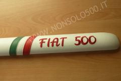 battiginocchia-personalizzato-ricamo-scritta-fiat-500